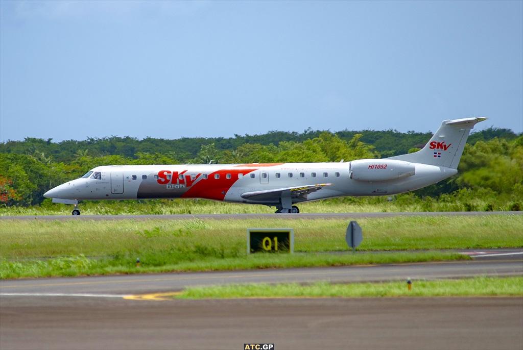 ERJ-145LR Sky High HI1052