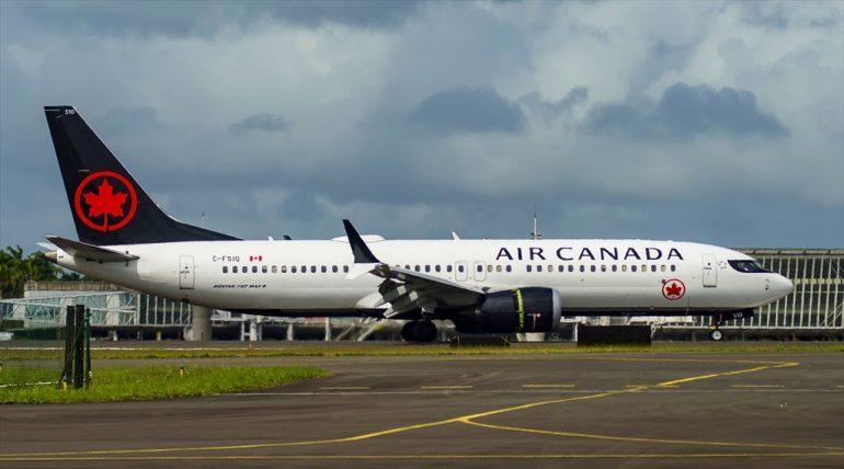 B737 Max-8 Air Canada C-FSIQ