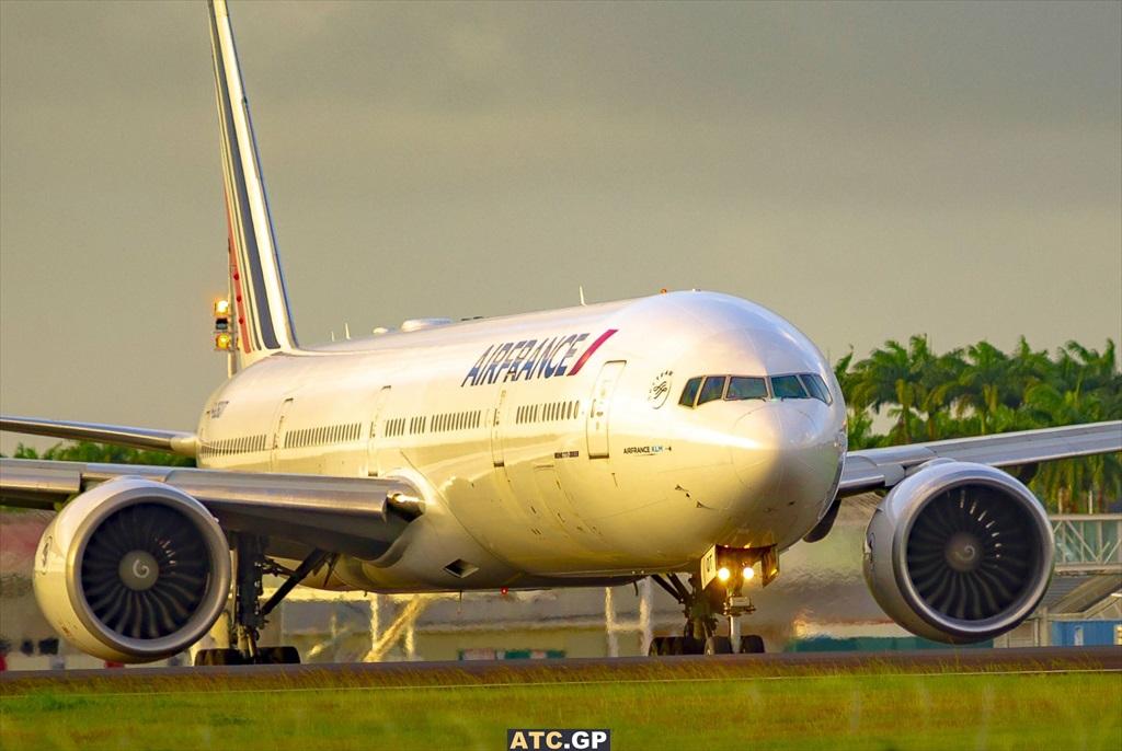 B777-300ER Air France F-GSQT