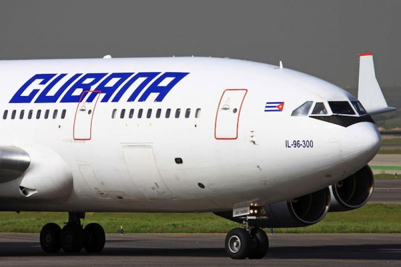 IL-96-300 Cubana
